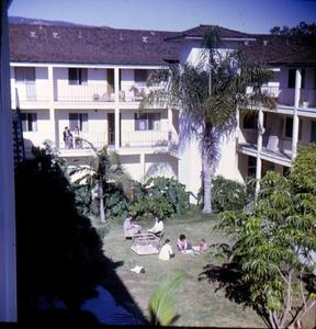 Garden Court 1973 By Duncan Work