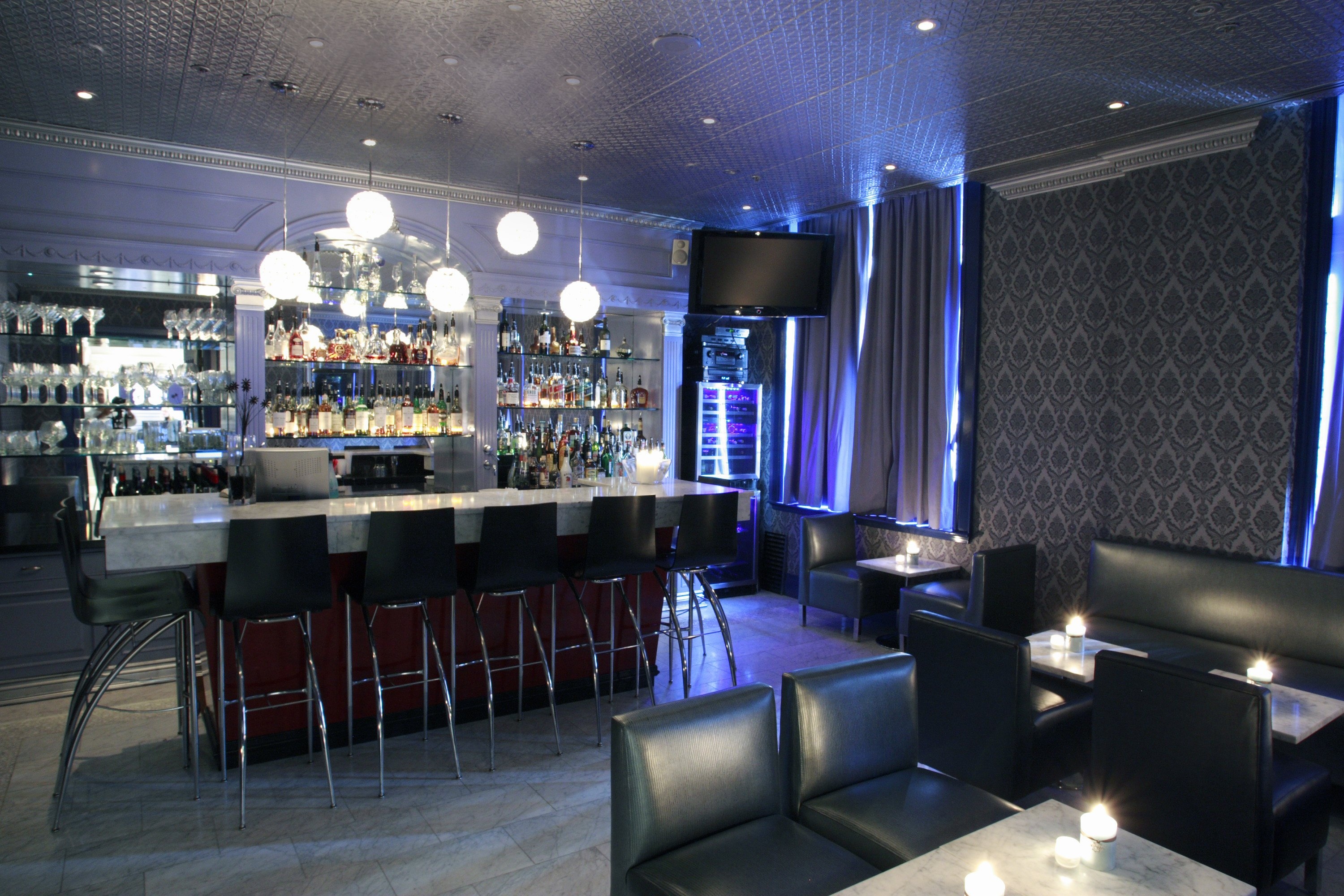 Bar lounge 22 toronto localwiki - Moderne loungebar ...